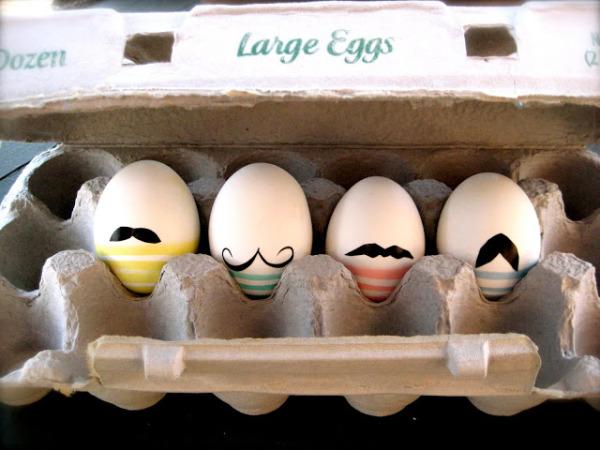 huevos pascua con bigotes
