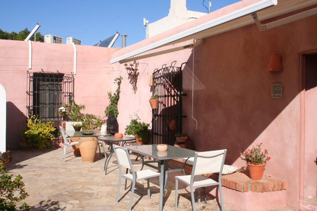 Hotel el Almería, patio rosa Cortijo Los Malenos