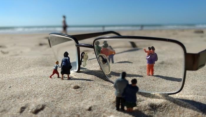 lentillas para niños y fuera las gafas