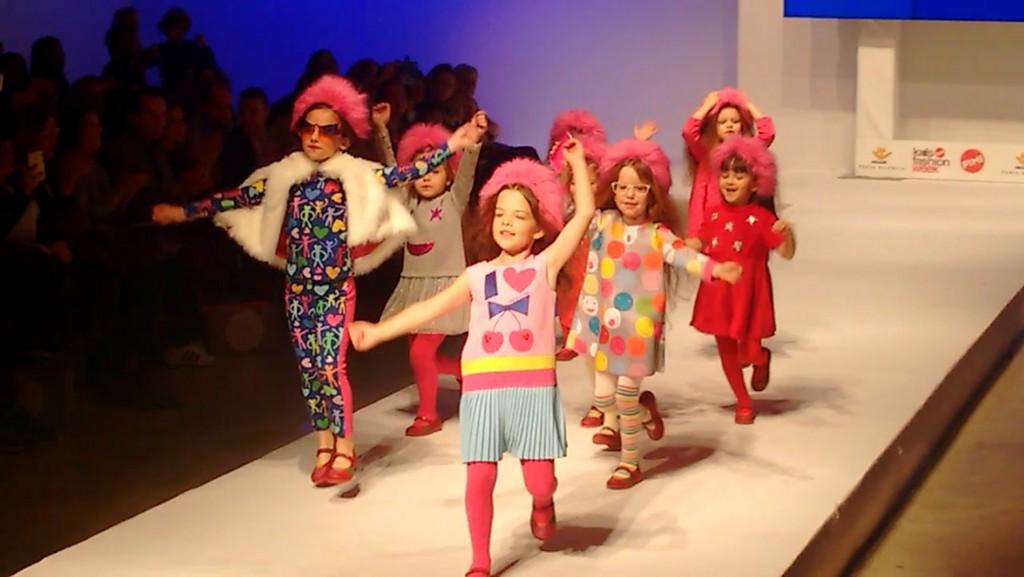 Agatha Ruiz de la Prada  moda infantil otoño-invierno 2016