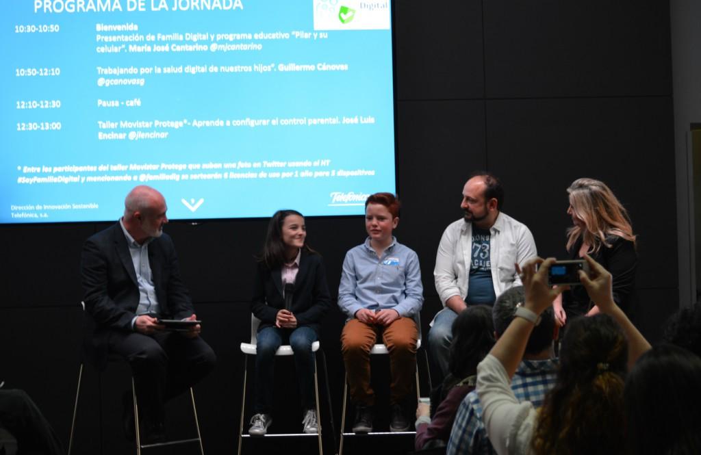 mesa redonda  I Encuentro Familias Digitales