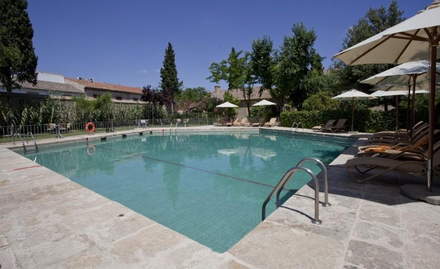 Parado Almagro piscina