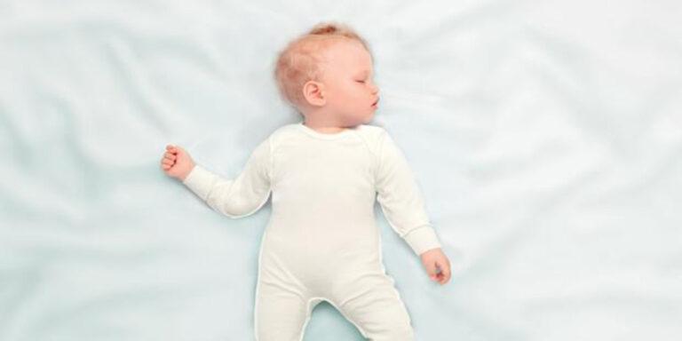 Pijama Stelatopia, un alivio para los bebés con piel atópica