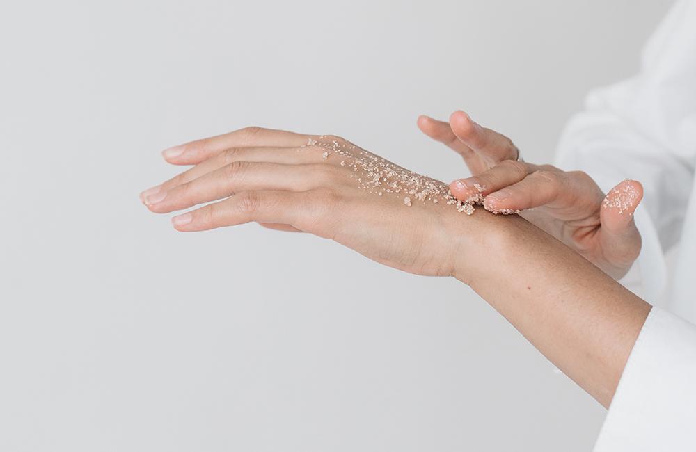 Exfoliación para cuidar tu piel después del verano